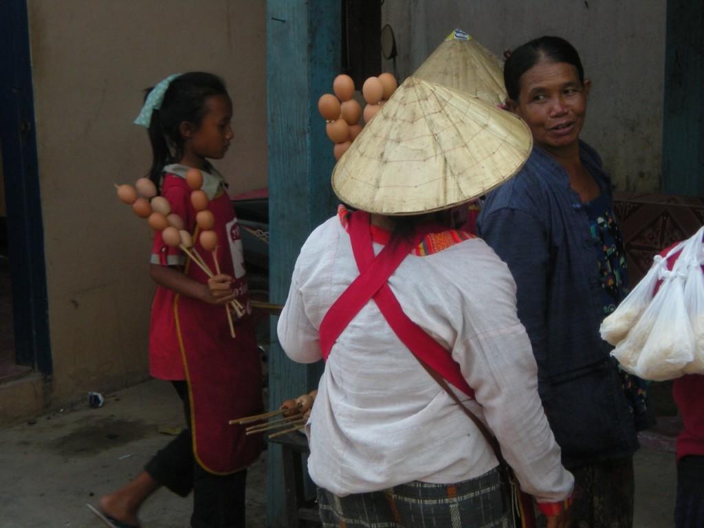 Лаос, шашлык, яйцо
