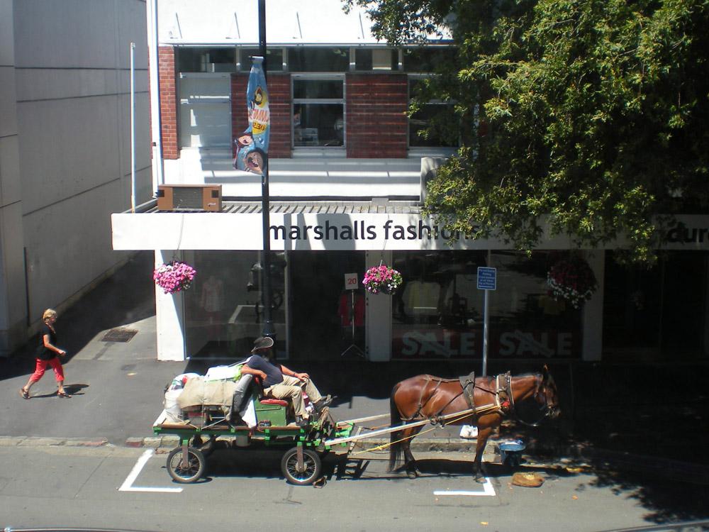 повозка с лошадью